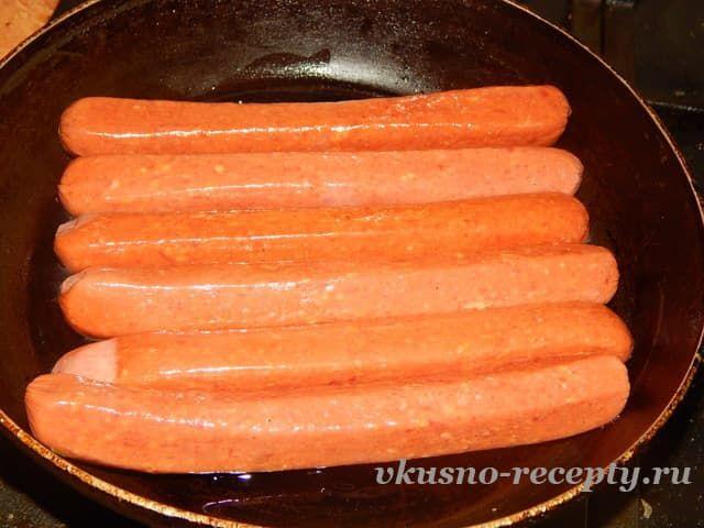 Картошка с колбасками в духовке